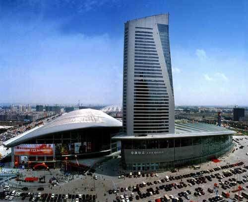 哈尔滨红博世纪广场_红博世纪广场在哪儿怎么去