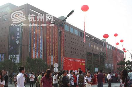 杭州九堡四季青服装批发市场_九堡四季青服装批发市场在哪儿怎么去