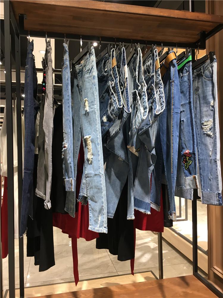 2020夏季九分破洞设计款牛仔裤走份清仓
