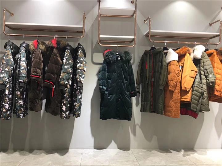 淘宝直播女装货源20年时尚高雅BINBIN羽绒服女装折扣批发货源抖音直播女装货源