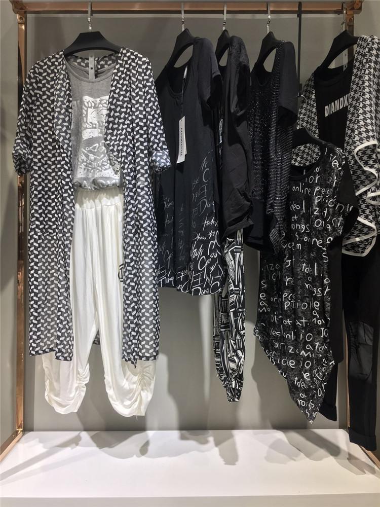 经典黑白风格系列2020年女夏装典典秀品牌折扣货
