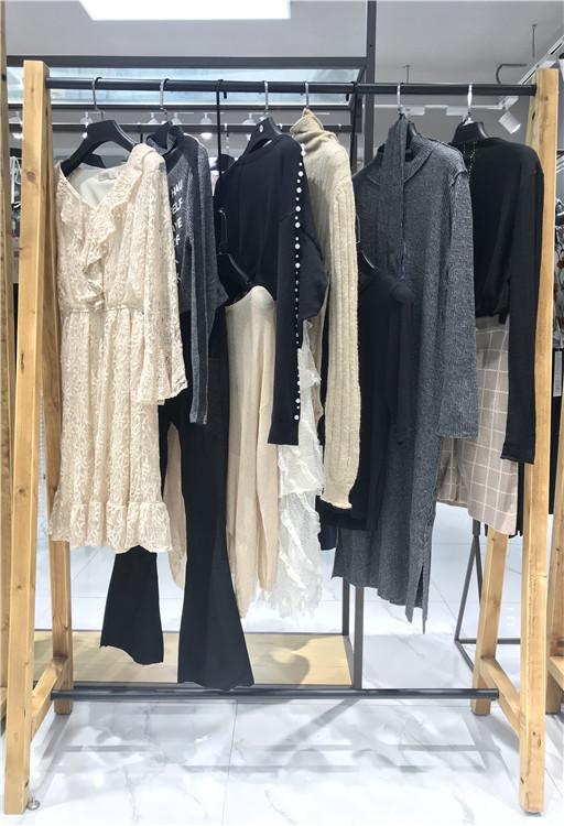 梵凯FANKAI品牌折扣女装批发货源供应商直播女装一手货源