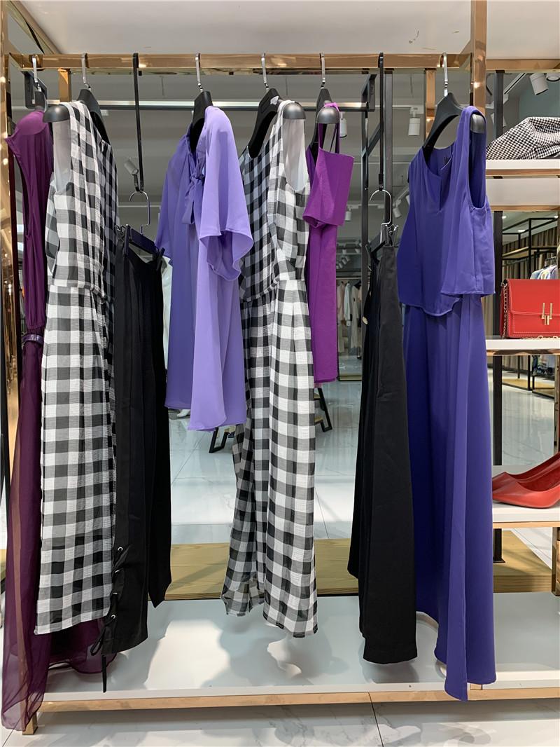 2020夏款品牌折扣女装加盟批发直播女装一手货源