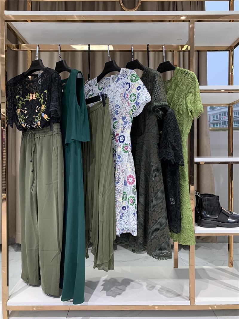 2020春装女装折扣店尾货服装批发直播女装一手货源