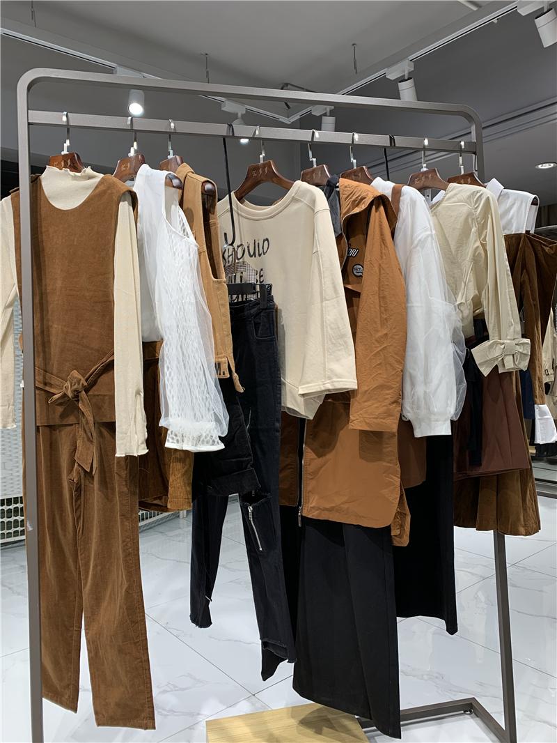 欧伊力女装折扣店生产厂家货源代理直播女装一手货源