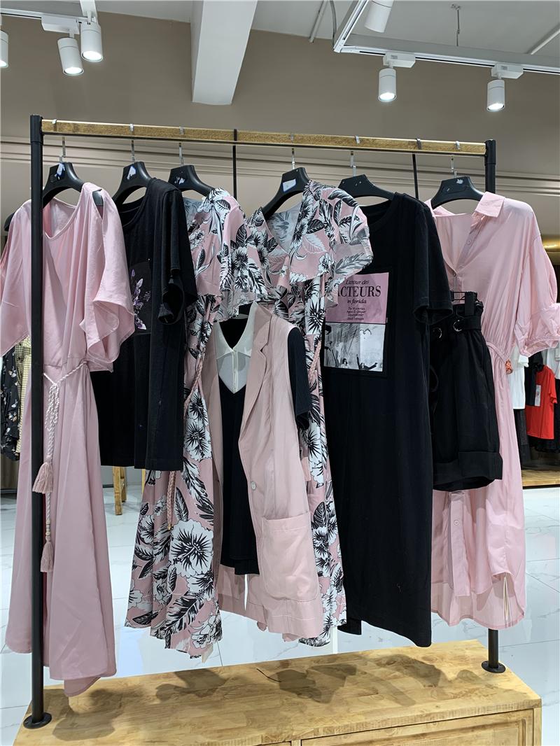 GCCG知恩品牌折扣店女装专柜正品货源渠道直播女装一手货源