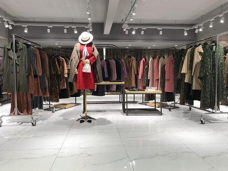 玫尚锦杭州品牌女装折扣店厂家货源服装代理直播女装一手货源