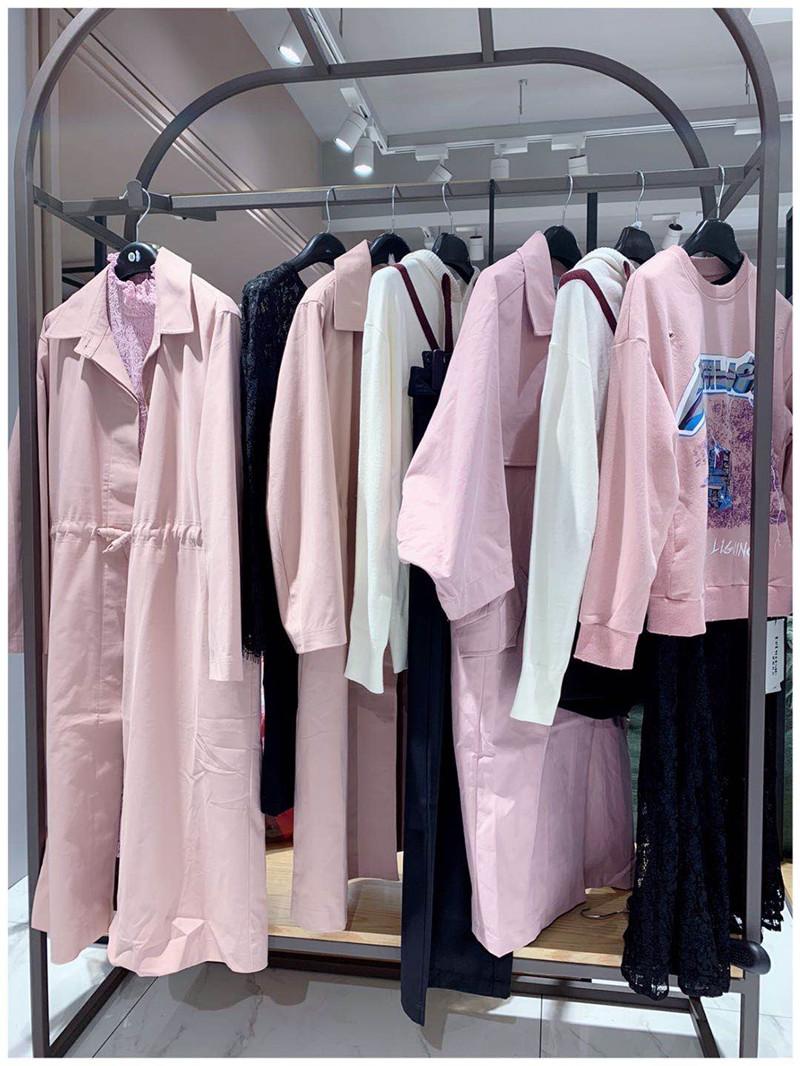 宠爱女人PET WOMAN品牌折扣服饰生产厂家货源代理直播女装一手货源
