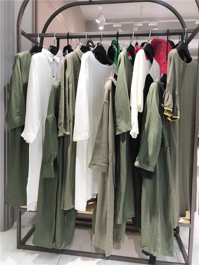 朴庄品牌折扣店女装专柜正品货源渠道直播女装一手货源