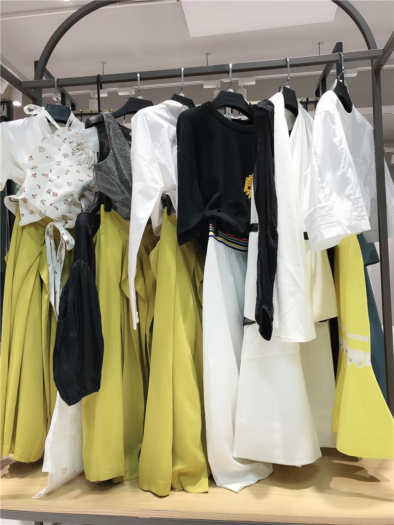 衣全球女装折扣店生产厂家货源代理直播女装一手货源