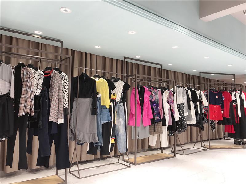 网上开店的货源选择主要有直播女装一手货源