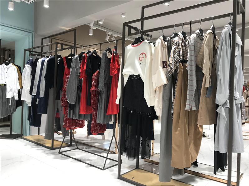 卖品牌尾货怎样不违法品牌折扣女装货源