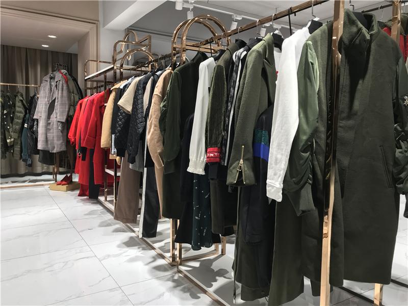 重庆服装折扣店加盟快手直播女装尾货