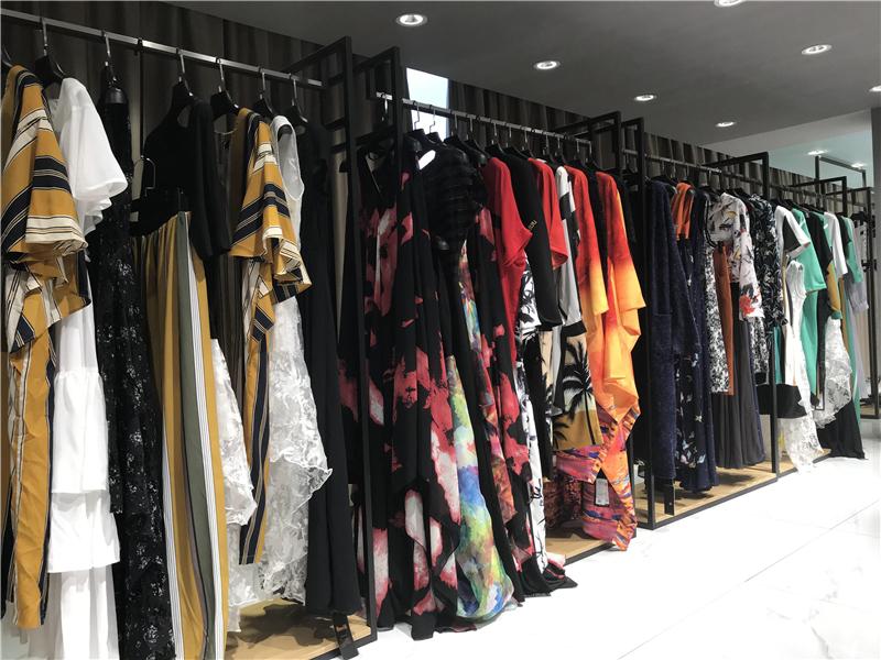 杭州哪里有品牌折扣店加盟快手直播女装尾货