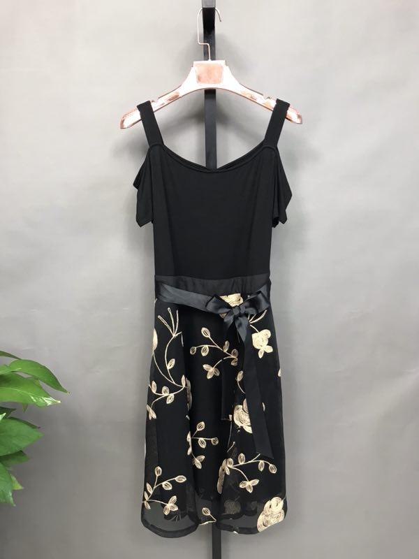 佑芙妮2020夏装时尚品牌折扣批发折扣女装尾货哪里拿货