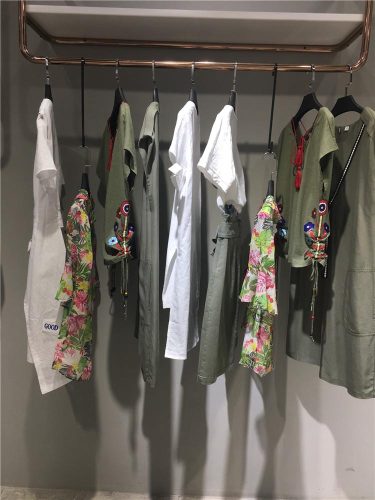 村上春2020夏装新款连衣裙品牌折扣货走份批发
