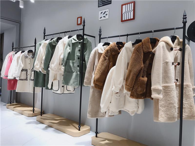 正规品牌折扣店加盟抖音直播女装货源