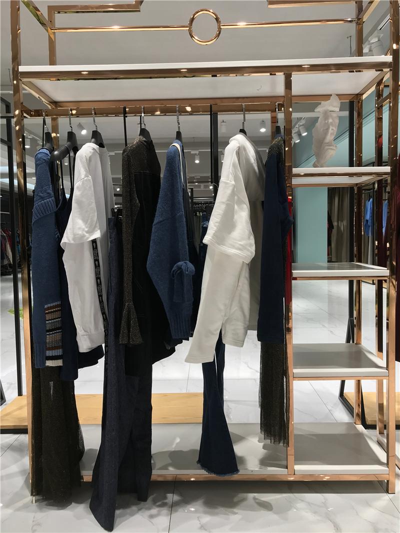 品牌折扣店加盟女装抖音直播女装货源