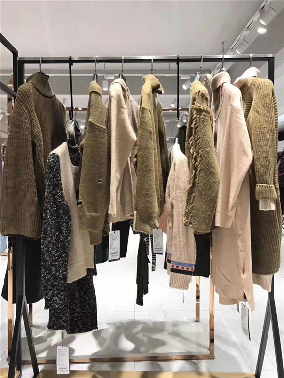 加盟卖衣服品牌折扣店抖音直播女装货源