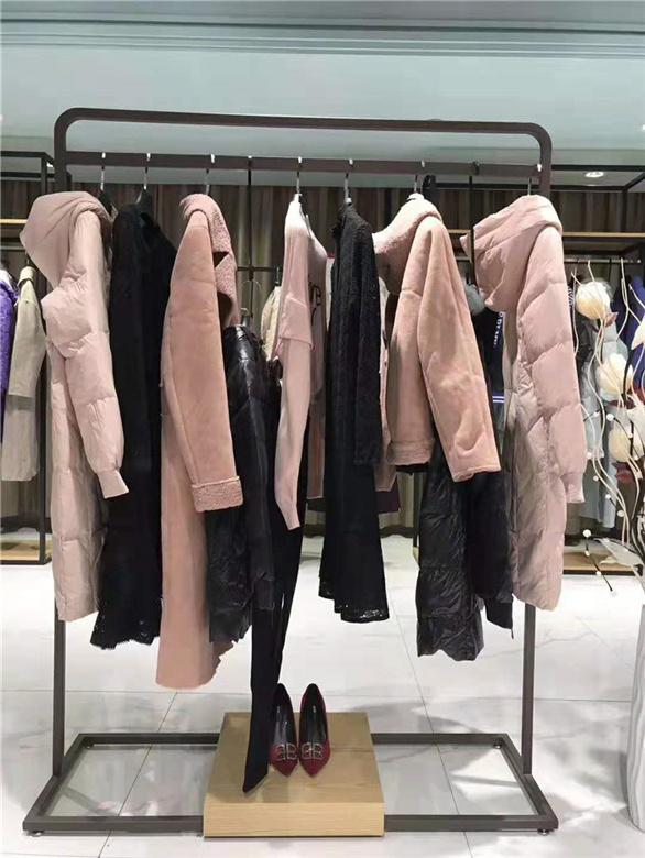 品牌折扣服装店加盟哪家好抖音直播女装货源