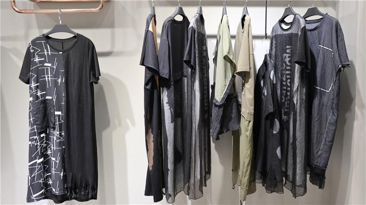 广州原创设计潮牌爀爀猫20夏简单时尚专柜正品