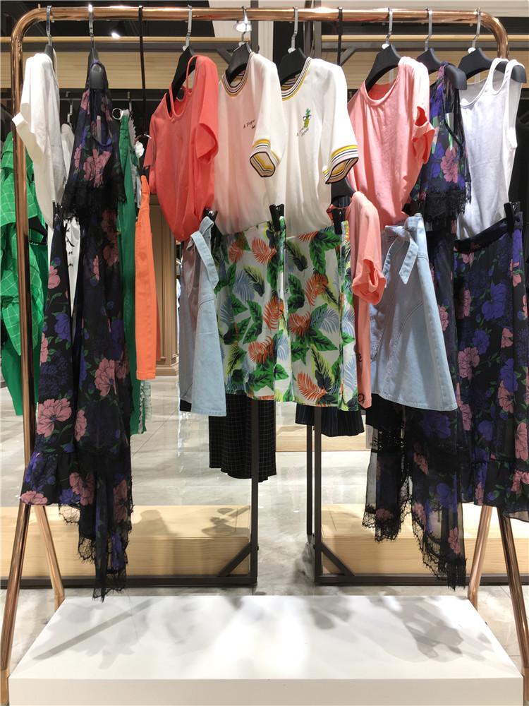 香港时尚女装品牌洛可可夏装品牌女装折扣批发