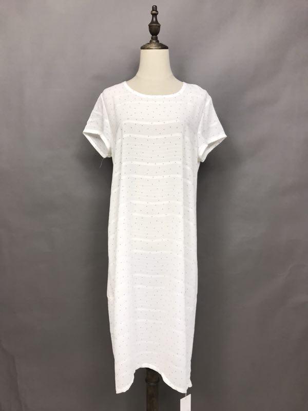 紫藤谷夏装连衣裙棉麻面料时尚女装批发折扣女装尾货哪里拿货