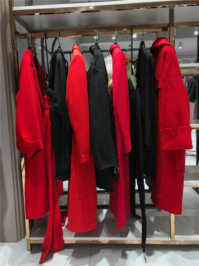 太平鸟品牌折扣店女装专柜正品货源渠道抖音直播女装货源