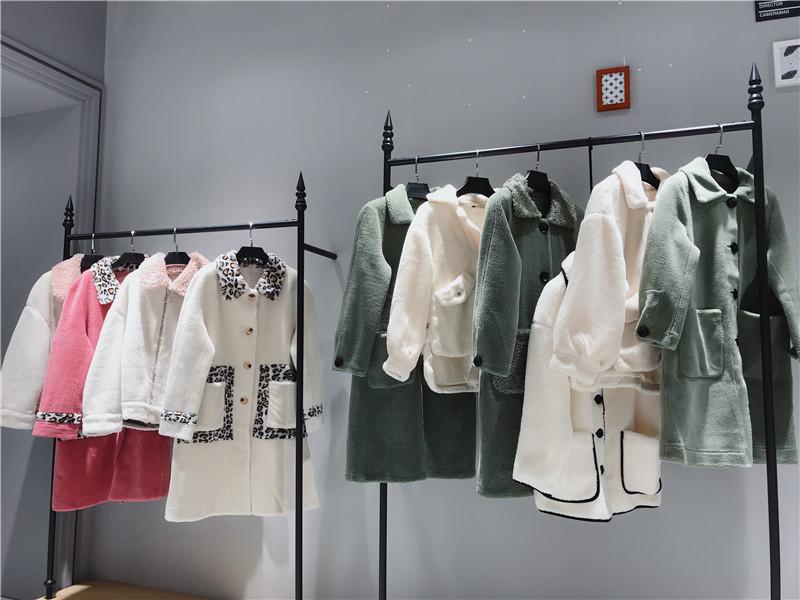 颗粒绒大衣品牌女装折扣批发抖音直播女装货源