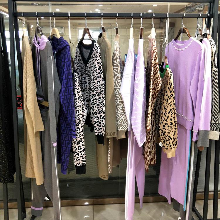 品牌折扣女装打底毛衣广州一手货源批发折扣女装尾货哪里拿货