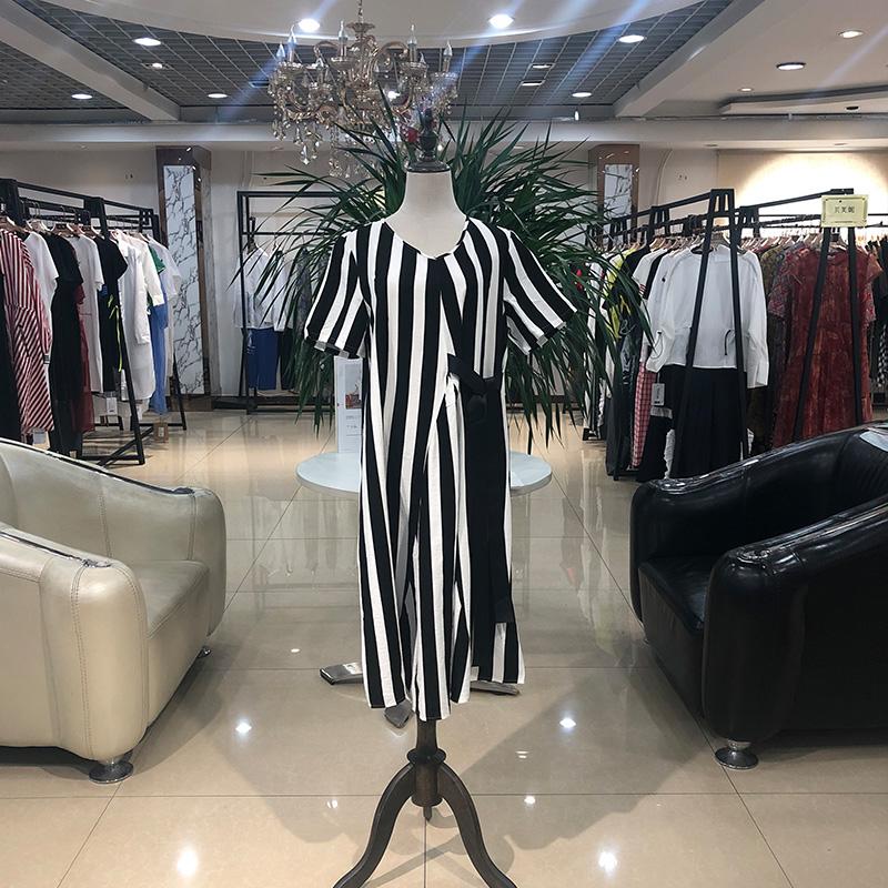 木子衣芭2109夏时尚简约连衣裙罩衫折扣女装尾货哪里拿货