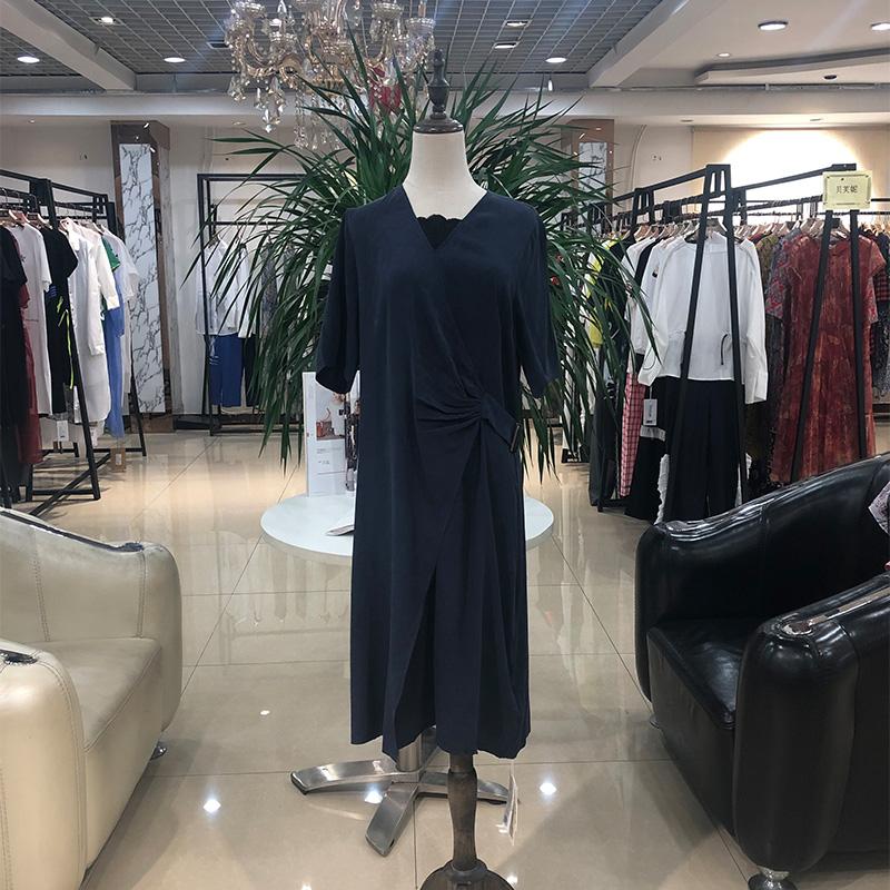 2020夏世纪蓝天真丝连衣裙套装小衫折扣女装尾货哪里拿货