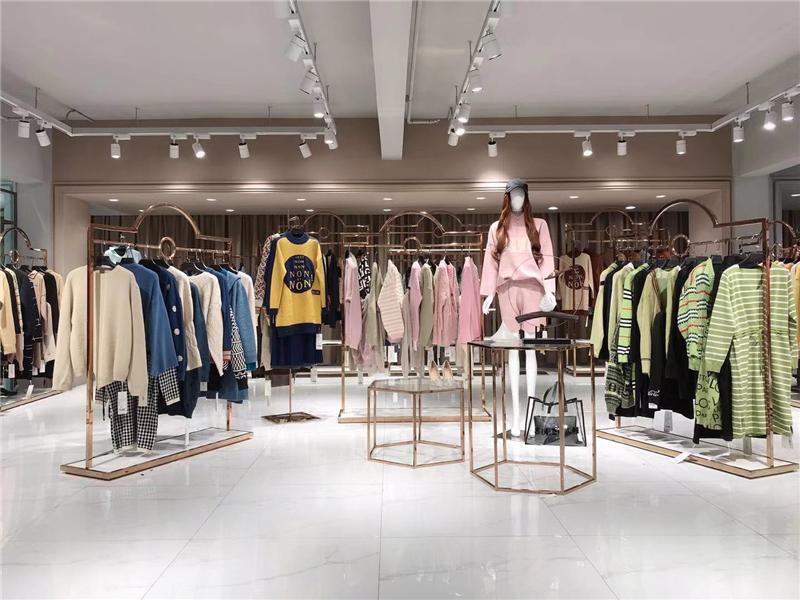 森塔斯毛衣品牌折扣女装批发  专柜正品货源渠道抖音直播女装货源