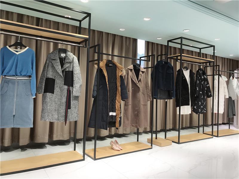 艺素国际女装品牌折扣店专柜正品货源渠道抖音直播女装货源