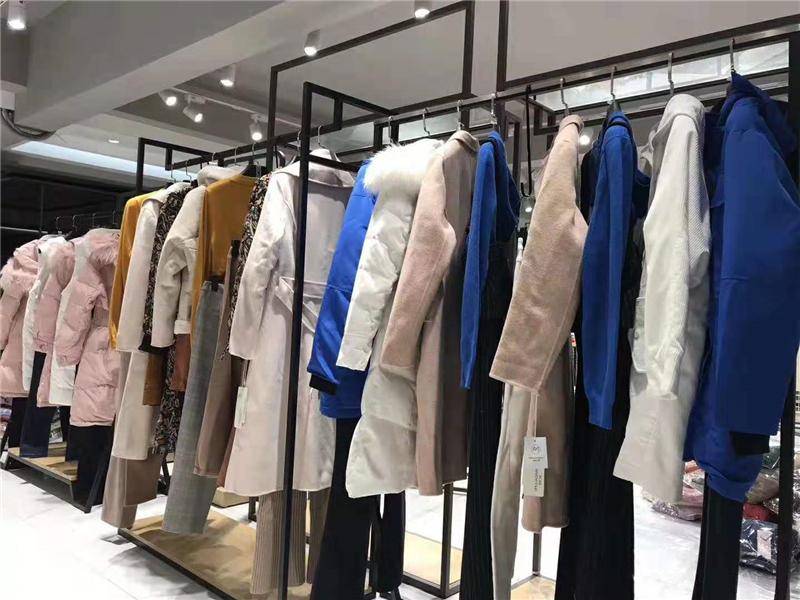 依目了然女装品牌折扣店专柜正品货源渠道抖音直播女装货源
