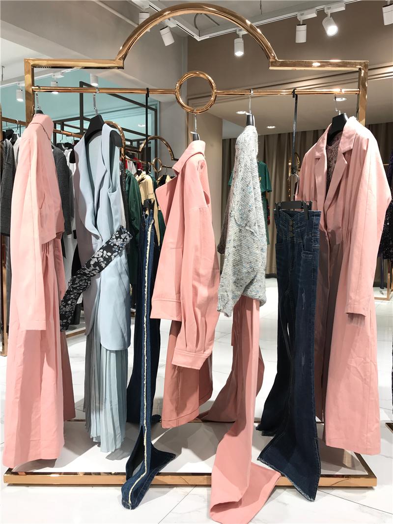 慕希女装品牌折扣店生产厂家货源代理抖音直播女装货源