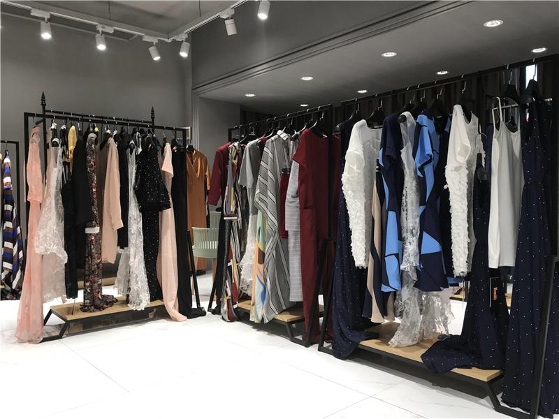 VERRAGEE威娅纪品牌折扣女装批发生产厂家货源代理抖音直播女装货源