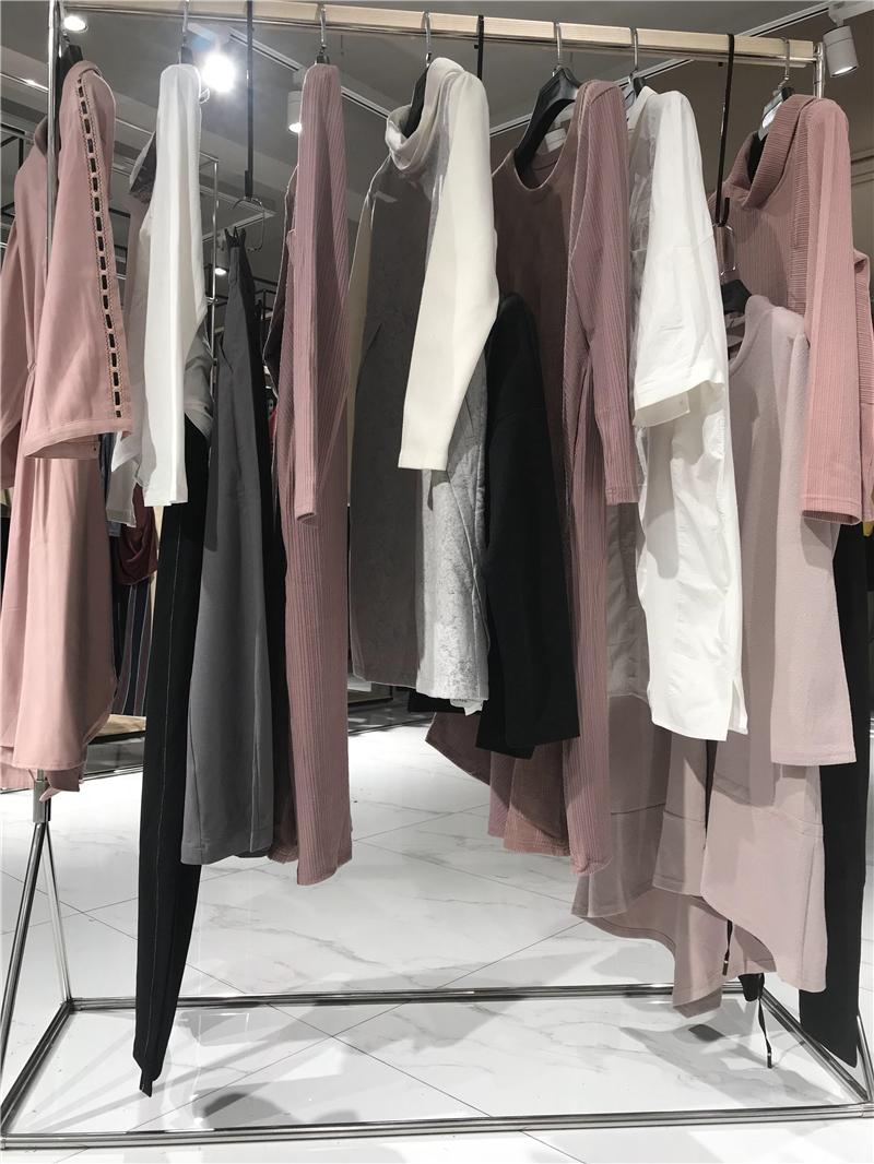 天开悟语品牌折扣女装工厂直销免费代理抖音直播女装货源