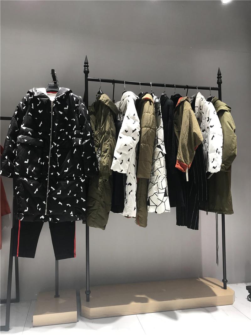 FANKAI梵凯品牌折扣女装批发工厂直销免费代理抖音直播女装货源