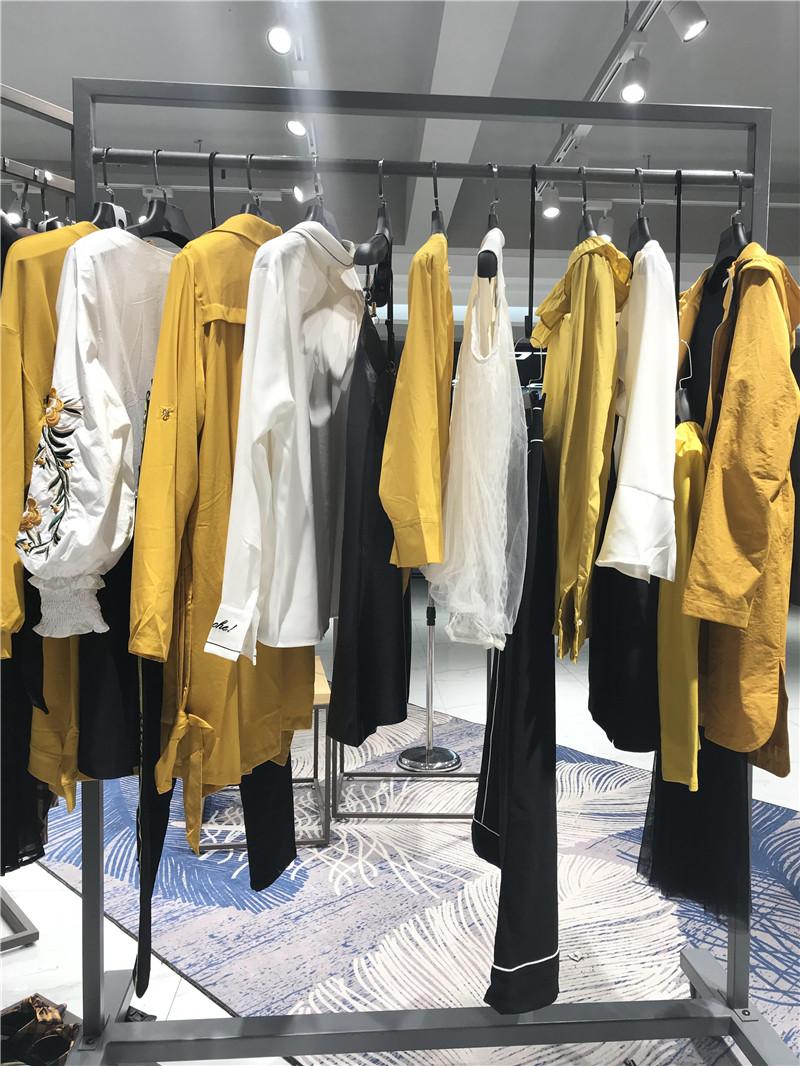 欧伊力品牌折扣女装工厂直销免费代理抖音直播女装货源